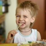 Почему нельзя разговаривать во время еды?