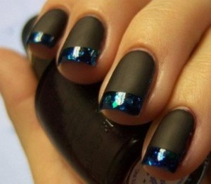 ногти черным лаком