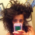Почему нельзя спать с мокрыми волосами?