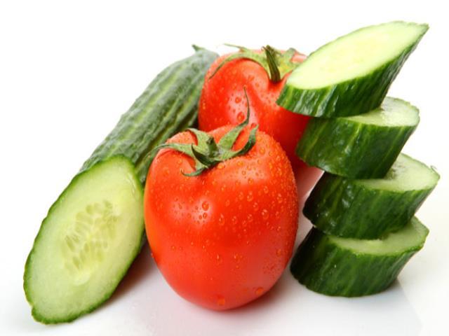 помидоры с огурцом