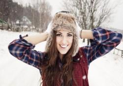 шапка на девушке