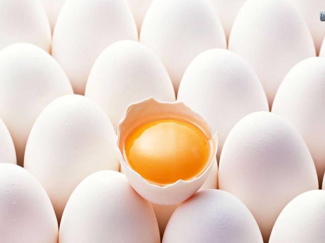 Почему кормящим нельзя яйца?