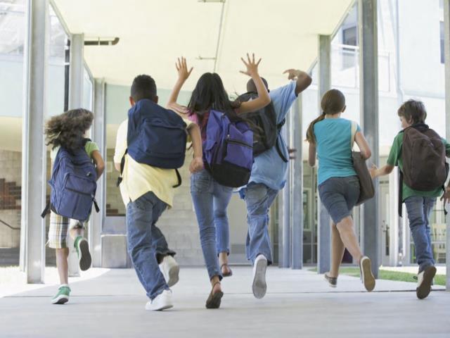 джинсы у детей в школе