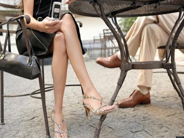 Фото на тему «Чому вагітним не можна сидіти нога на ногу?»