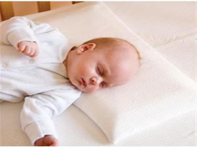 Почему нельзя спать на подушке детям