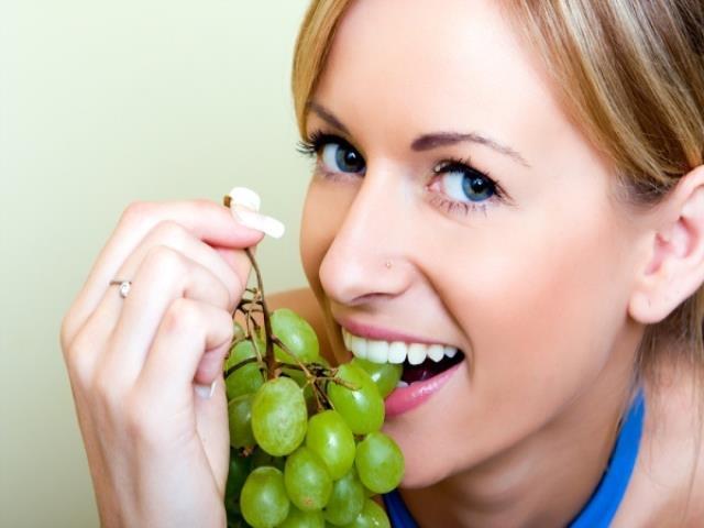при беременности нельзя есть виноград
