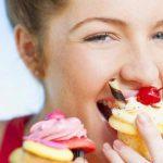 Почему нельзя много сладкого кормящей маме?