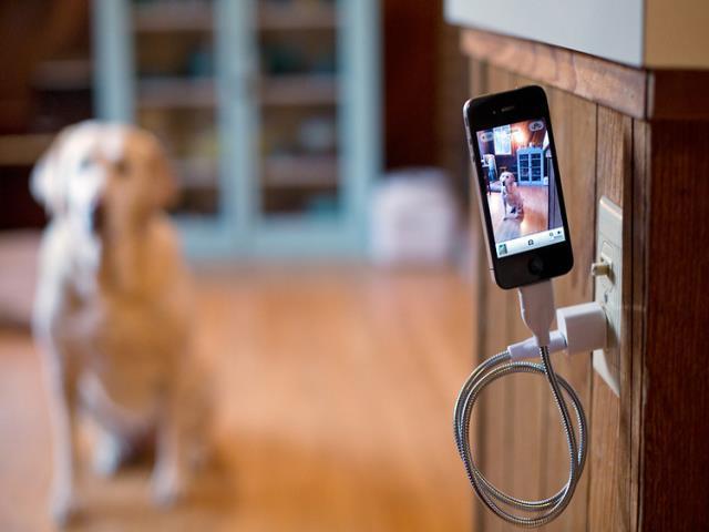 пользоваться телефоном во время зарядки