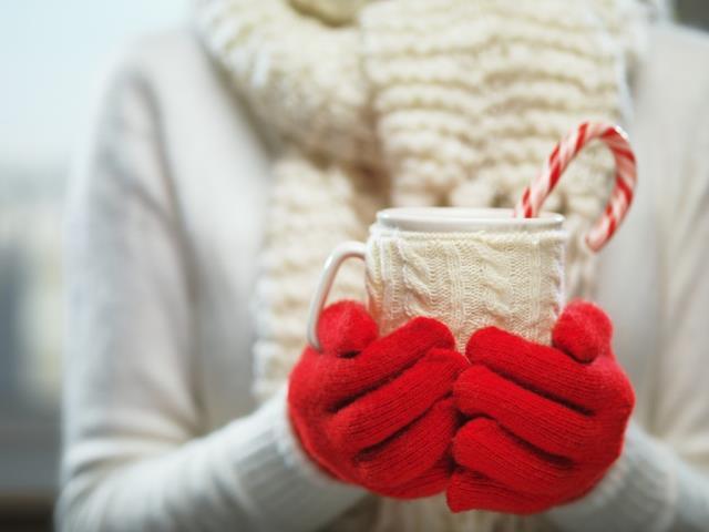 дарить перчатки женщине