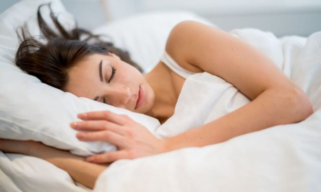 Фото на тему «Чому не можна спати голою?»