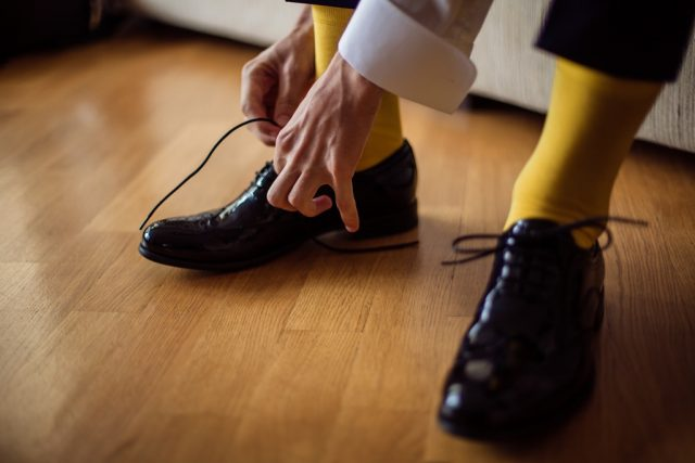 Фото на тему «Чому не можна носити чуже взуття?»