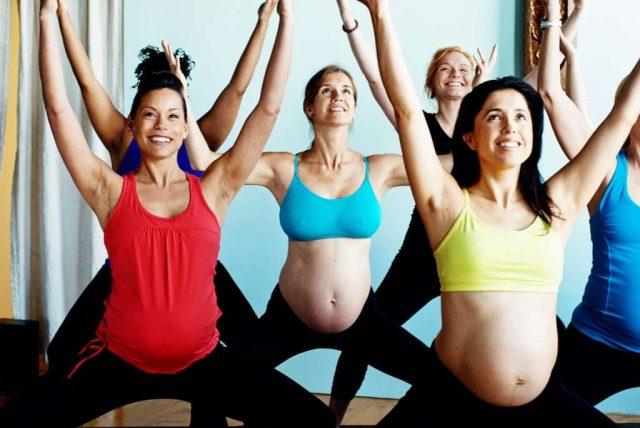 Можно ли беременным тянуться после сна
