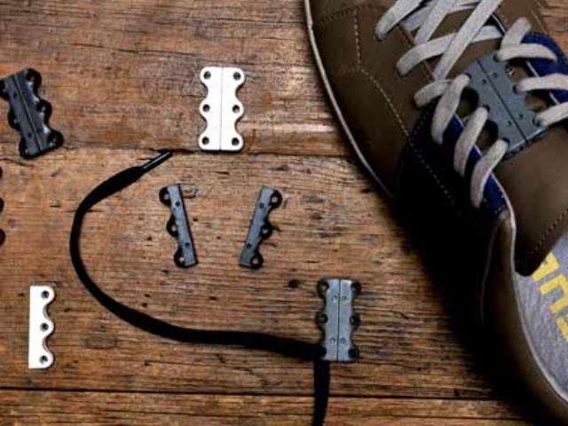 Фото на тему «Чому не можна зав'язувати шнурки в Парижі?»