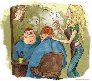 женщина стрижет мужчину