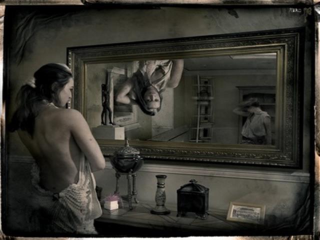 страшное фото с зеркалом с девушкой