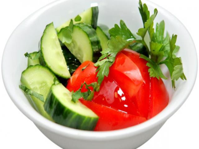 помидоры с огурцом салат