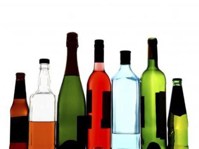 пить алкоголь