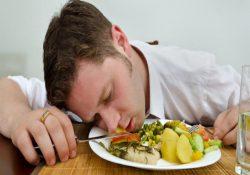 лежать после еды