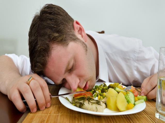 Во сне есть пересоленную пищу - вас ждут испытания, которые вы не сможете пройти в одиночку, вам потребуется помощь верного друга или близкого человека.