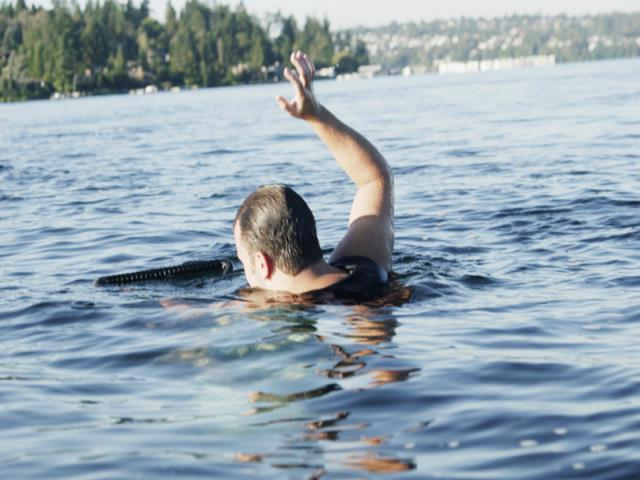 Фото на тему «Чому не можна купатися під час хвороби?»