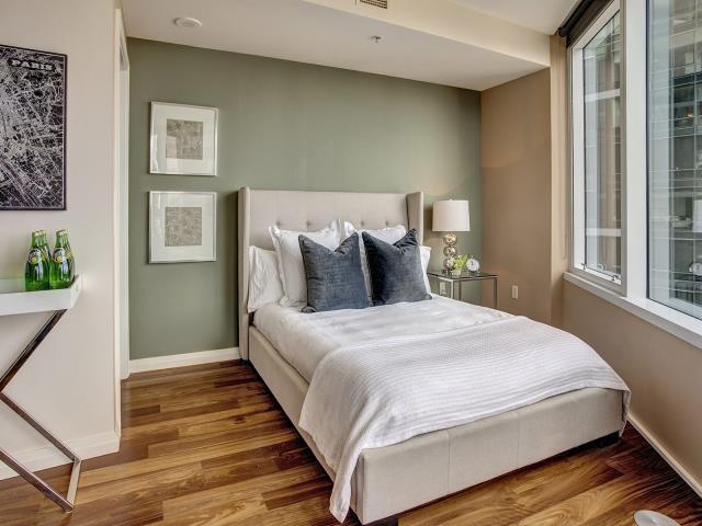 Фото на тему «Чому не можна ставити ліжко ногами до дверей?»