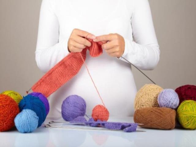 беременным вязать и шить