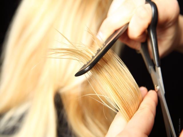 Почему нельзя подстригаться во время беременности