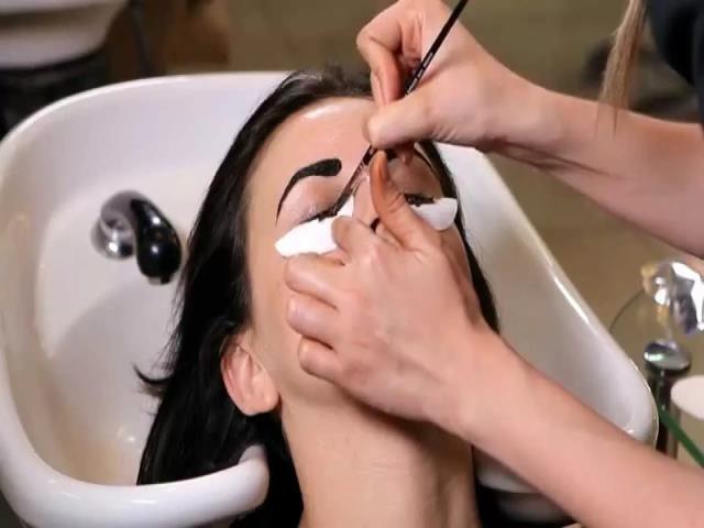Фото на тему «Почему нельзя красить брови краской для волос?»