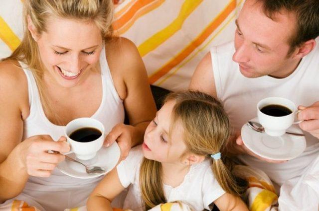 детям пить кофе