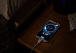 17 1 250x175 - Почему нельзя заряжать телефон ночью?