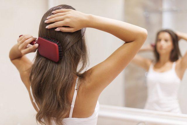 Фото на тему «Почему нельзя хранить свои волосы?»