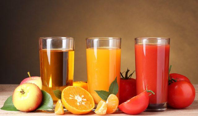 Почему нельзя пить свежевыжатый сок?