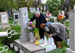 5 3 250x175 - Почему нельзя ходить на кладбище в воскресенье?