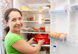 17 250x175 - Почему нельзя ставить горячее в холодильник?