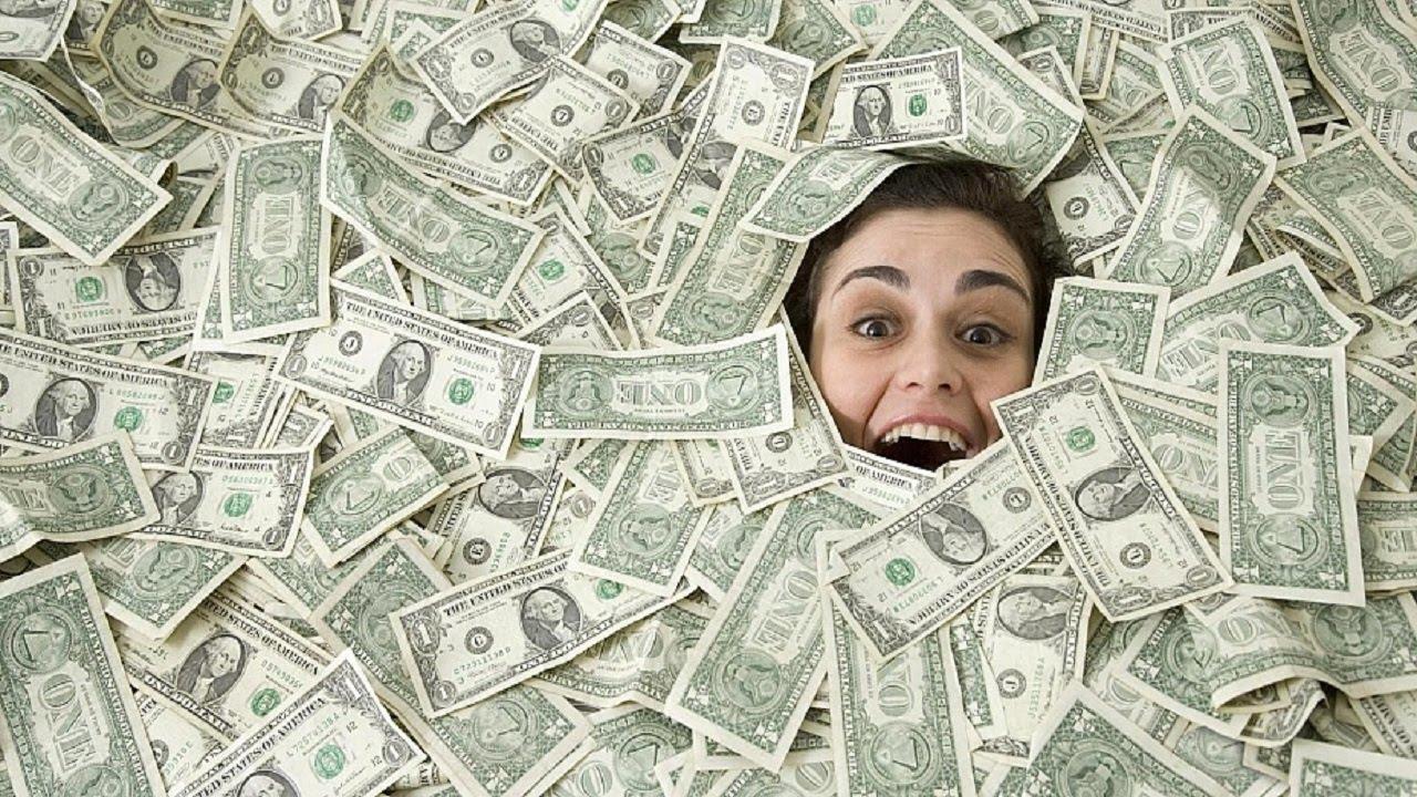 Деньги в прикольных картинках