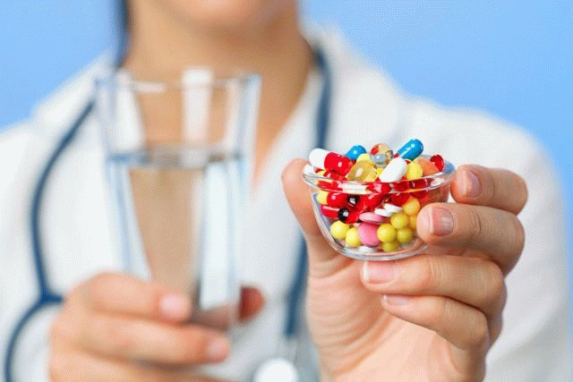 Фото на тему «Почему при гриппе нельзя пить антибиотики?»