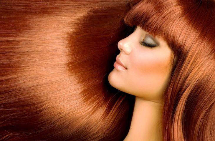Когда и какими средствами можно красить волосы после химии