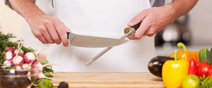 Фото на тему «Почему нельзя оставлять нож на столе?»