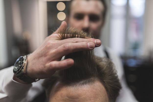 Фото на тему «Почему нельзя выкидывать волосы?»