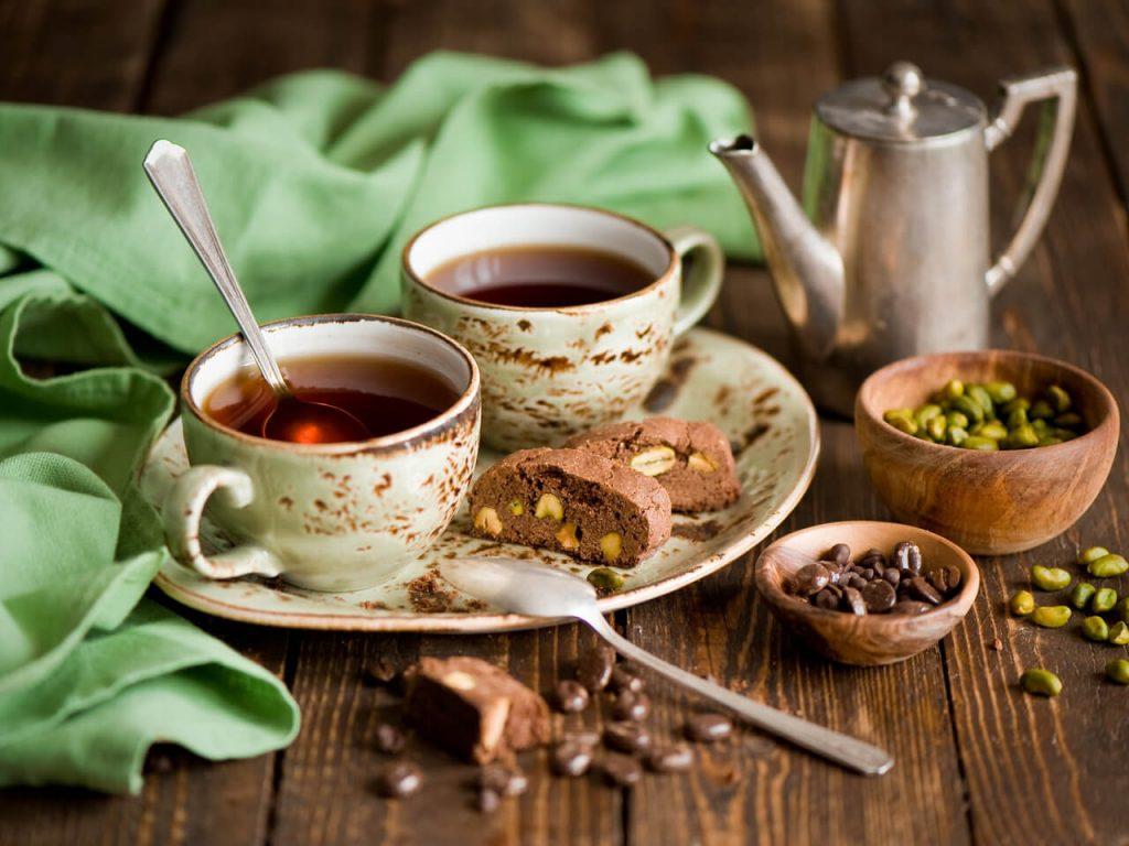 Фото на тему «Почему нельзя пить чай с ложкой?»