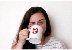 strannye privychki nashih lyudej s tochki zreniya inostrantsev 002 250x175 - Почему нельзя пить чай с ложкой?