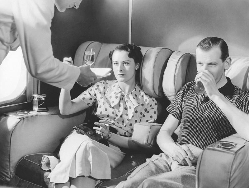 Фото на тему «Чому не можна курити в літаку?»
