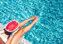 Фото на тему «Почему нельзя купаться после еды?»