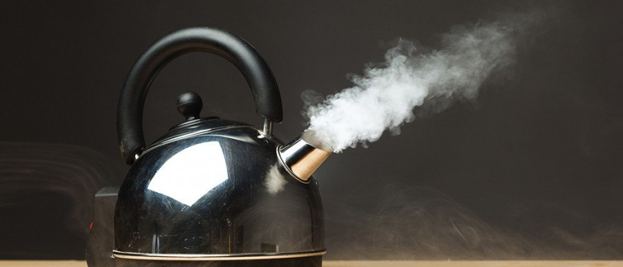 Фото на тему «Чому не можна повторно кип'ятити воду в чайнику?»