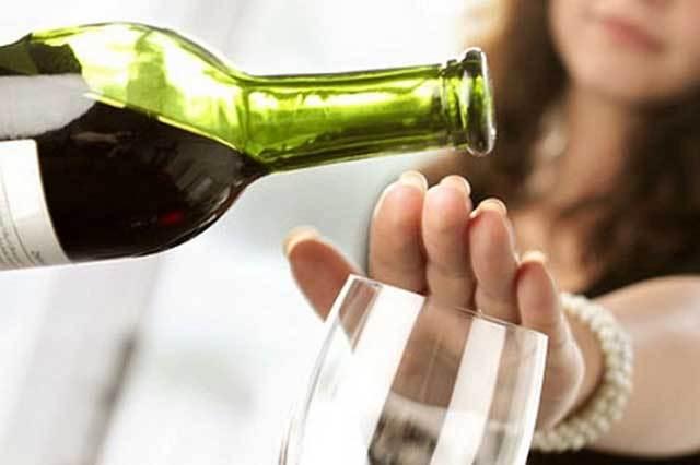 Фото на тему «Почему нельзя резко бросать пить?»