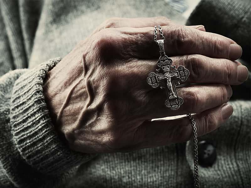 Фото на тему «Чому не можна плакати по померлій людині?»