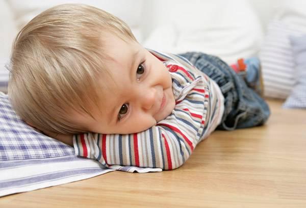 Фото на тему «Чому не можна спати на підлозі?»