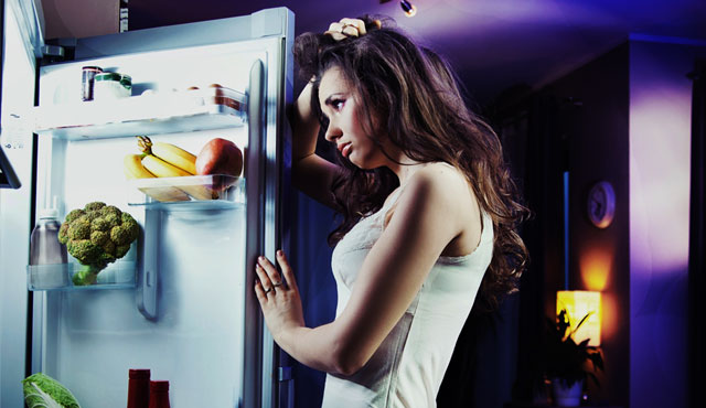 Фото на тему «Чому не можна їсти перед сном?»