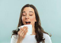 Фото на тему «Почему нельзя чихать с открытыми глазами?»