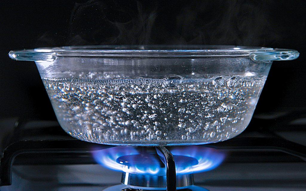 Фото на тему «Чому не можна пити кип'ячену воду?»